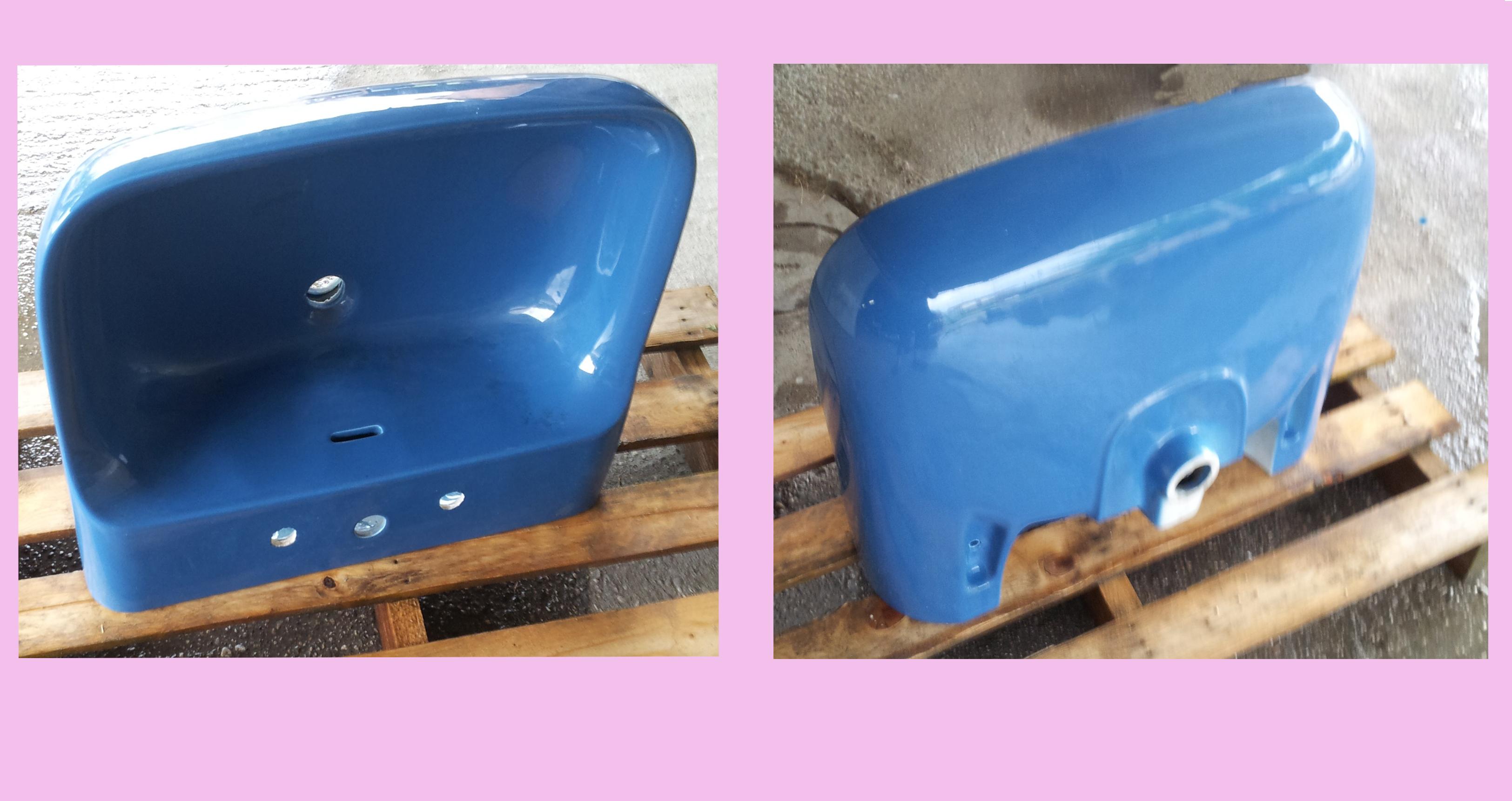 Lavabo marca Ideal Standard , modello Conca, color blu fondale a tre fori